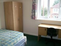 Rooms to let in Student House, Woodcote Rd, Available 1st JULY 2017