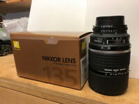 NIKON 135MM F2 DC LENS MINT HARDLY BEEN USED