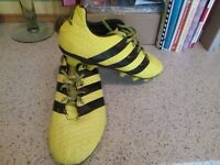 MENS ADIDAS FOOTBALL BOOTS/SIZE 11/GOOD CONDITION