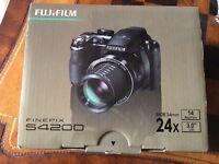 Fujifilm FinePix S4200 Digital Camera (14MP, 24x Optical Zoom) 3 inch LCD Screen