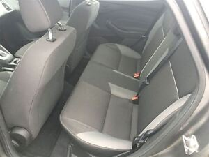 2012 Ford Focus SE Drives Great Very Clean !!!! London Ontario image 15