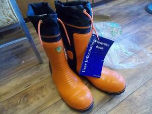 Husqvarna light 28 cloth top Chainsaw boots NEW