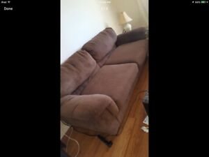 WOW Beautiful Brown Sofa for Only $100, Moving so must Go