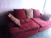 Good condition big 3 seater fabric ,modern sofa with cushions(I could deliver)