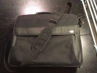Targus Black Briefcase/Classic TBC002EU 16 inch - Good condition