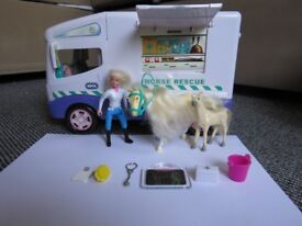 Animal Hospital Horse Rescue Van Set