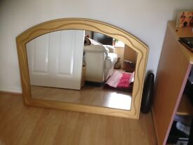 beautiful detail gold colour over fireplace mirror 100 78 from a non smoking household