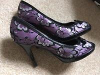 Ladies shoes size 5.5