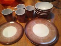 Camping caravan picnic plates bowls cups set motorhome