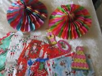 LARGE MIXED LOT OF VINTAGE CHRISTMAS DECORATIONS
