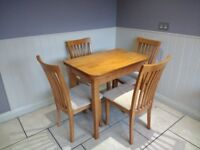 Dining room table for sale £80