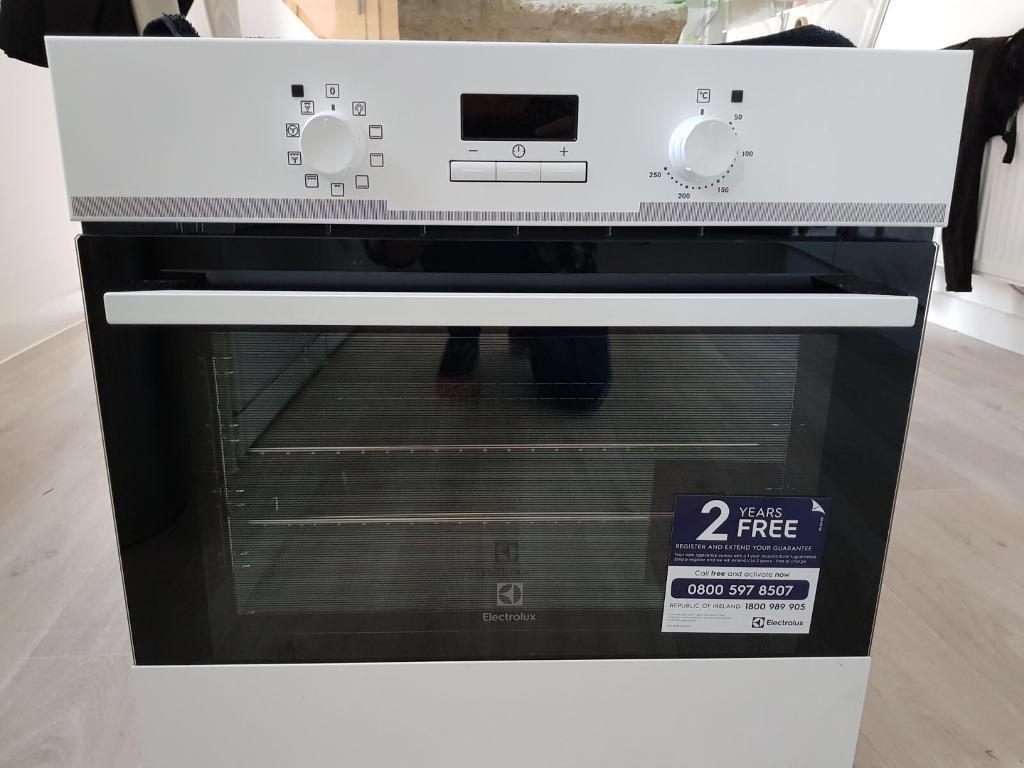 Electrolux built in Oven (white)