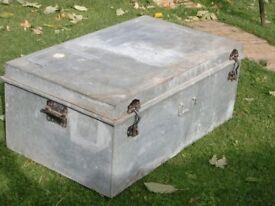 large tin trunk / coffee table
