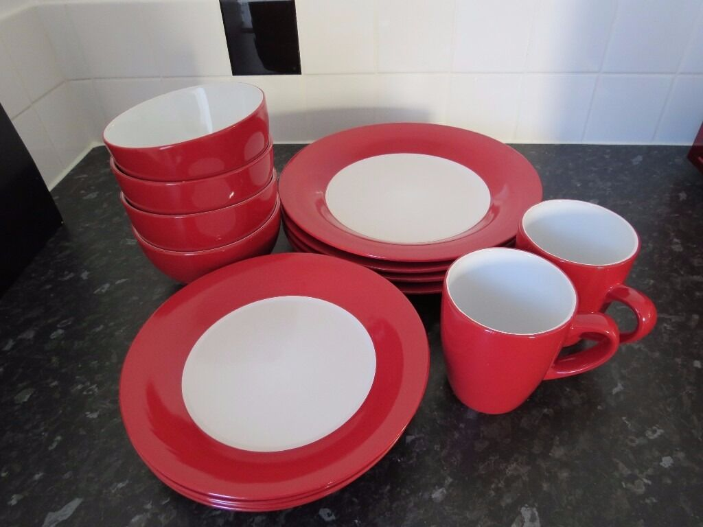 White dinner service with red trimin Newtownabbey, County AntrimGumtree - White dinner set with red trim. x4 dinner plates x4 side plates x4 bowls x2 mugs