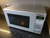 Panasonic 800w silver microwave oven. In good condition