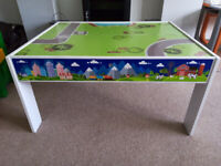 Play table for cars, trains, puzzles or Lego/Duplo