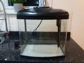 Fantastic 28 litre tank with internal trickle filter and led lighting