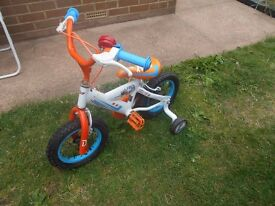 "Disney Planes Boys/Girls 12"" Bicycle / Bike With Stabilizers and Helmet"