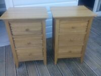 solid oak pair of bedside cabinets dove tail joints