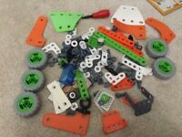 135 pieces of genuine Meccano build and play from kit 7106 age 4+ (larger pieces for small hands)