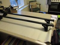 Pair of Thule Roof Bars