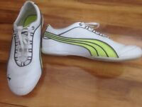 Ladies Puma trainers almost new size 6