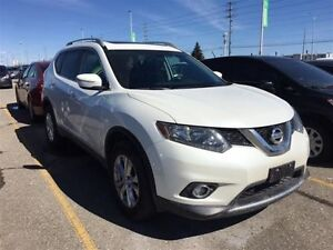 2015 Nissan Rogue SV AWD, Back Up Cam, Sunroof, $81/Wk!
