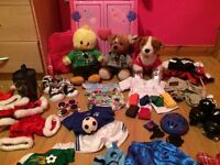 Build a Bear Wardrobe, 5 Bears and Outfits