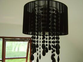 THREADED LAMPSHADE WITH DROPLET DETAIL