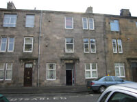Top Floor Flat. Two Bedroom. Dumbarton. £470 pcm