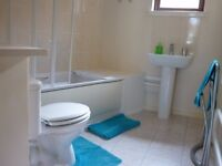 2 twin bedrooms for 1-4 people flat available from now short or long term