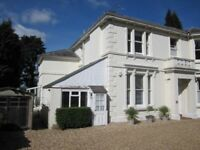 Tunbridge Wells - large, single, studio bedsit - own living room and separate bedroom