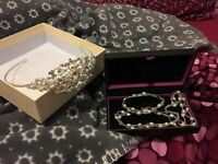 Lovely set necklace and bracelet with tiara