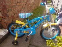Kids minion bike, been outside once, brand new condition