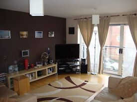 HULME - large double room to rent in gorgeous 3-storey new build townhouse !