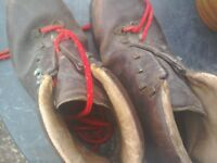 Walking boots vintage 1970s, strong brown leather size 8