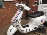 59 reg beautiful looking rare 2 stroke,learner legal retro vespa very low miles.