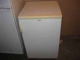 WHITE UNDER COUNTER FRIDGE 'WHIRLPOOL'. VARIOUS SHELVES & COMPARTMENTS. IN GOOD ORDER. DELIVERY POSS