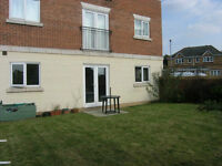 REDUCED! SPACIOUS 2 BEDROOM APARTMENT WITH PRIVATE GARDEN AND ENSUITE. GREAT LOCATION!