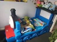 *sold*Thomas the tank engine toddler bed