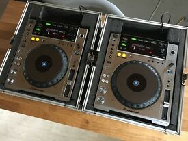 Pioneer CDJ 850 Pair Silver + Flight Cases V Good Condition ( CDJ 900 DJM 800 700 XDJ 1000 )