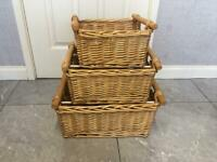 3 Wicker stackable baskets