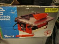 Small water trough tile saw