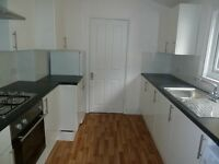 Newly Refurbished Split Level 3 Bed Flat Perfect For Sharers Or Students Mins Colliers Wood Tube