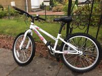 Girls bike good condition suit age 7-9 years