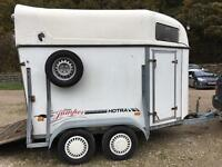 Horsetrailer for 2 16h horses