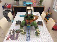 Turtle Mutations Giant Leonardo Playset