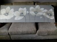 Grey flowered canvas