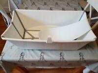 Stokke foldable babe bath tube