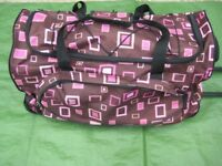 Large Pink Patterned Travel bag with Telescopic Handle and Wheels for £7.00